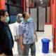 ISOLASI - Wabup Sidoarjo, Nur Ahmad Syaifuddin didampingi Direktur RSUD Sidoarjo, dr Atok Irawan Sp P mengecek kondisi ruang isolasi bagi Pasien Dalam Pengawasan (PDP) Corona di RSUD Sidoarjo, Minggu (22/03/2020) malam