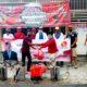 Gus Anshori Bagikan Ratusan Masker dan Semprotkan Disinfektan ke Desa Surabayan