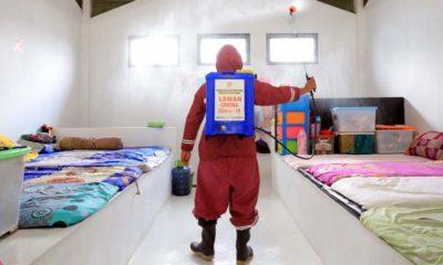 Pegawai Perempuan Kemenkumham Jatim Pakai Kebaya, Salurkan Bantuan Covid-19 dan Semprot Disinfektan