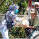 Polinema Peduli Terdampak Covid-19 Bagikan Sembako dan Hand Sanitizer di Pasar Tawangmangu
