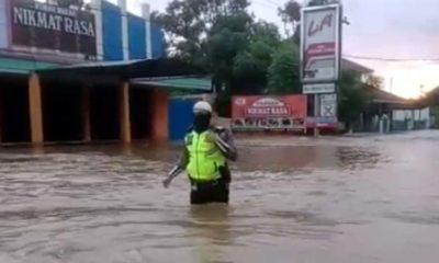 Raya Kraton Terendam Banjir, R4 Dialihkan ke Tol Gempol