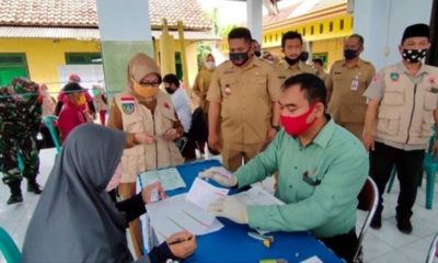Bupati Jombang Pantau Pencairan BLT DD