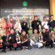 Samsudin, diapit para siswa-siswi MTsN 1 Kota Malang, yang sukses memboyong 21 medali di ToC Amerika Serikat, akhir tahun lalu. (adn)