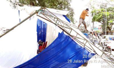 Tenda Pos Penyekatan Madyopuro yang ambruk. (Ist/ Lantas Polresta Malang Kota)