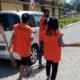 Ratusan Pelanggar PSBB di Sidoarjo, Jalani Sanksi Nyanyi Bagimu Negeri, Menyapu dan Kenakan Rompi