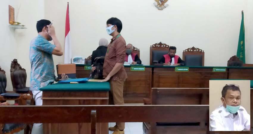 Suasana sidang ketiga di Pengadilan negeri Surabaya, Kamis (28/5/2020). (Insert) Kepala KPKNL Pamekasan Arasmin Simamola
