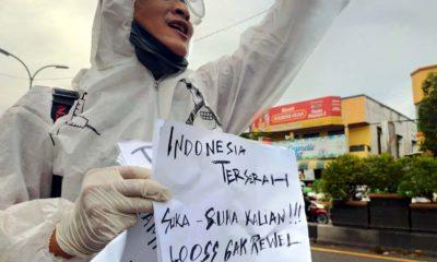 Warga Terserah Bebal Padati Pertokoan, Relawan Corona Pasuruan Demo Tunggal
