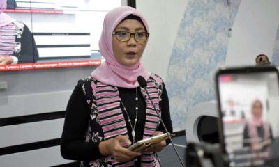 Juru bicara Gugus Tugas Percepatan Penanganan Covid-19 Kabupaten Trenggalek, dr Murti Rukiyandari saat telekonferensi di gedung Smart Center. (ist)