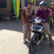 Pemerintah Desa Kesambi bersama tim relawan berada dipos check point antisipasi penyebaran virus corona (Covid-19). (gus)