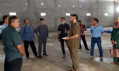 Komisi II DPRD Kota Blitar melakukan sidak di gudang rekanan pemenang lelang Rastrada di Kecamatan Srengat Kabupaten Blitar