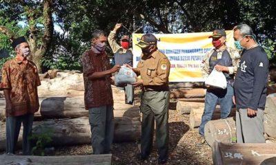 Perhutani KPH Jember Salurkan Bantuan 2.250 Paket Sembako