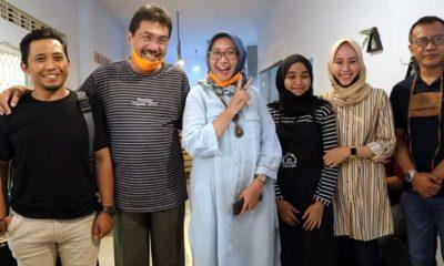 Wakil Bupati Lumajang, Ir Indah Amperawati M.Si bersama pelaku UMKM di Kabupaten Lumajang. (memo x/adi)