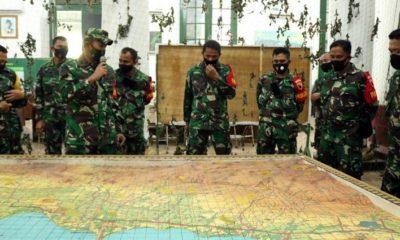 Bertindak sebagai pelaku latihan, Dandim 0820/Probolinggo, Letkol Inf Imam Wibowo S.E., M.I.Pol beserta perwira stafnya dan dikendalikan oleh Korem 093/BDJ sebagai Komando Geladi