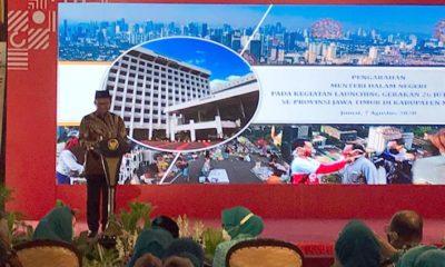 KUNJUNGI : Mendagri RI Tito Karnavian saat mengunjungi Pendopo Agung, Kabupaten Malang jumat kemarin. (memo x/cw3/man)