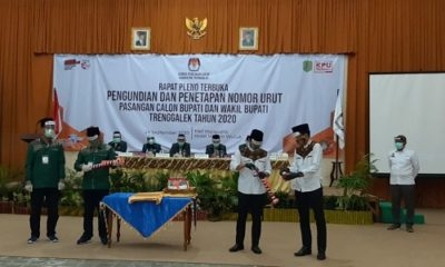 RAPAT PELNO: Suasana rapat pleno pengundian nomor urut Paslon Bupati dan Wakil Bupati Trenggalek Tahun 2020 di hall Majapahit Hotel Hayam Wuruk.
