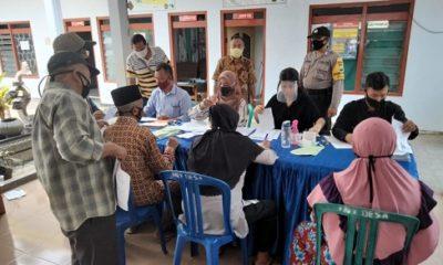 KARTU TANI : Suasana pembagian kartu tani bagi 191 petani di Kec. Wonosalam
