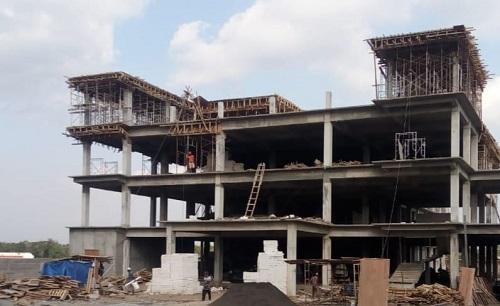 BANGUN: Hotel Grand Kanjuruhan yang sekarang tengah proses pembangunan.