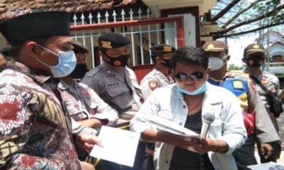 AKSI: Demontrasi yang dilakukan AP4 depan kantor DPRD Pamekasan, Rabu (07/10/20). (Memo X/ist)
