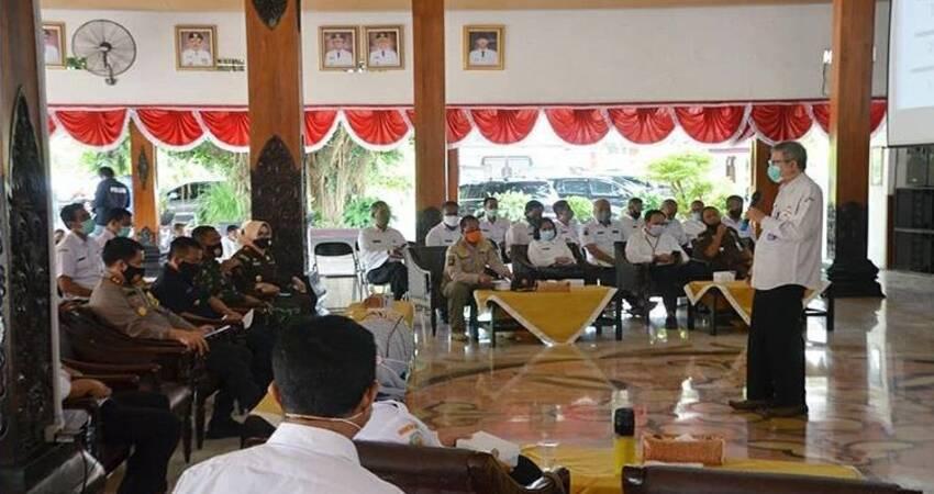 Rapat Koordinasi Satgas Covid-19 di pendopo Manggala Praja Nugraha Trenggalek.