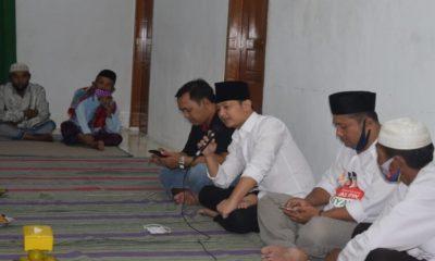 BLUSUKAN: Calon Bupati nomor urut 2 Mochamad Nur Arifin di rumah salah satu warga Desa Tumpuk Kecamatan Tugu.