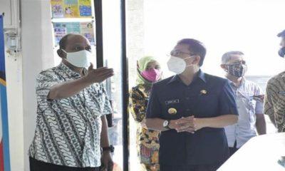 Pjs Bupati saat mengunjungi kantor kecamatan di Trenggalek