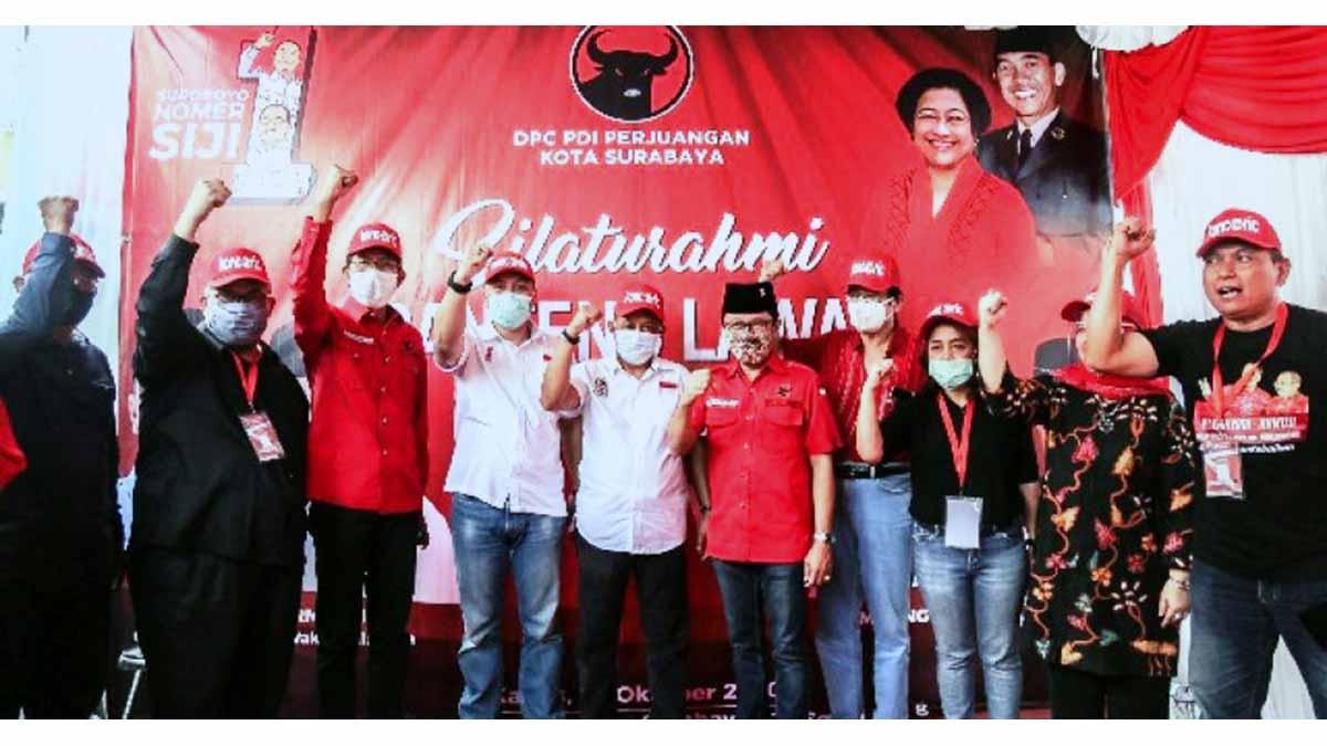 DEKLARASI - Sejumlah kader senior PDI Perjuangan dan aktivis Promeg menggelar deklarasi pemenangan pasangan Eri Cahyadi - Armuji