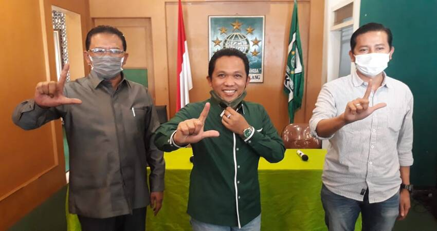 Kader PKB yang jugga Bupati Lumajang Thoriqul Haq dukung penuh pasangan Lathifah Shohib-Didik Budi Muljono (Ladub) di Pilkada Kabupaten Malang.