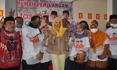 Novita Hardiny saat melakukan kampanye virtual di Kecamatan Karangan.