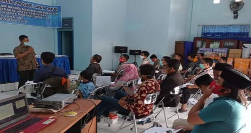 Kegiatan Bimtek budidaya ikan tawar bertempat di Aula Dinas Perikanan dan Kelautan Kabupaten Lumajang.
