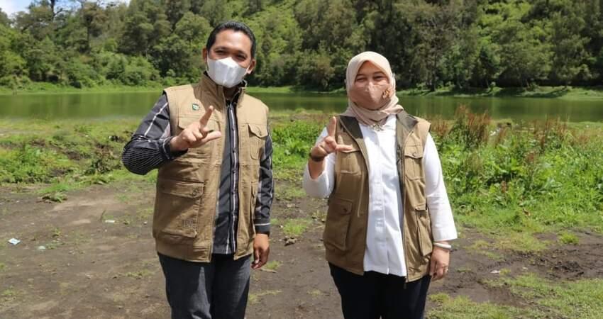 Bupati Lumajang, Thoriqul Haq bersama Deputi Kemenko Kemaritiman dan Investasi Republik Indonesia, Nani Hendriati.