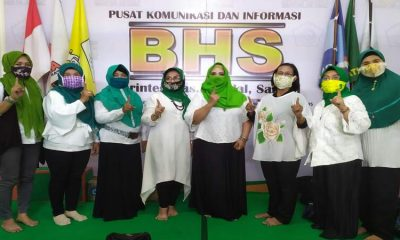 DUKUNGAN: Pengurus Forum Komunikasi Koperasi Wanita (FKKW) Sidoarjo menyatakan dukunganya ke paslon Bambang Haryo Soekartono dan M Taufiqulbar (BHS - Taufiq) yang disampaikan di Media Center BHS JL Diponegoro, Sidoarjo, Minggu (01/11/2020).