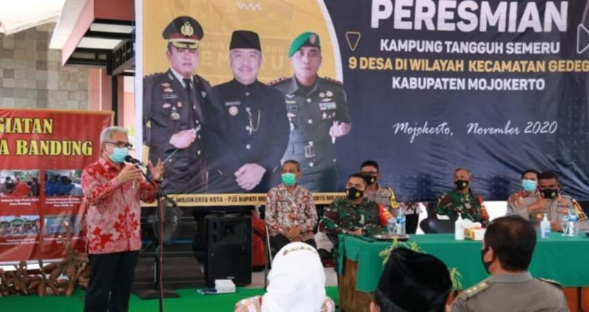 Acara peresmian sembilan desa Kampung Tangguh Semeru di Kecamatan Gedeg.
