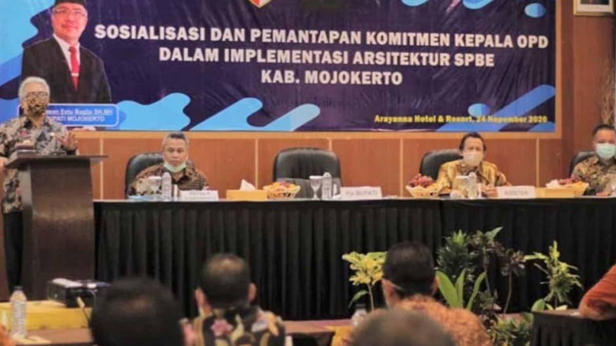 Pjs Bupati Mojokerto Hadiri Sosialisasi SPBE