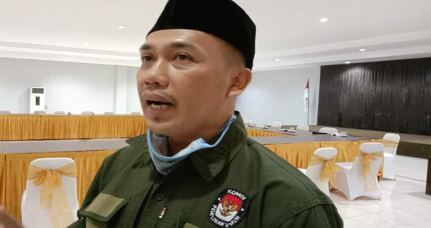 Komisioner KPU Kabupaten Trenggalek, Nurani Soyomukti saat dikonfirmasi usai Rapat Koordinasi (Rakor) di Hall Hotel Jaas.