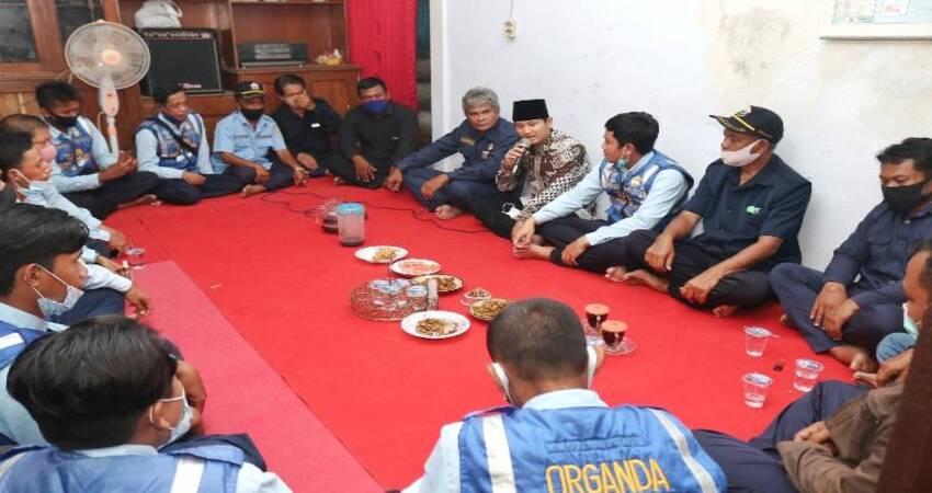KUNJUNGI ORGANDA: Cabup nomor urut 2, Mas Ipin saat mengunjungi kantor DPC Organda Kabupaten Trenggalek.