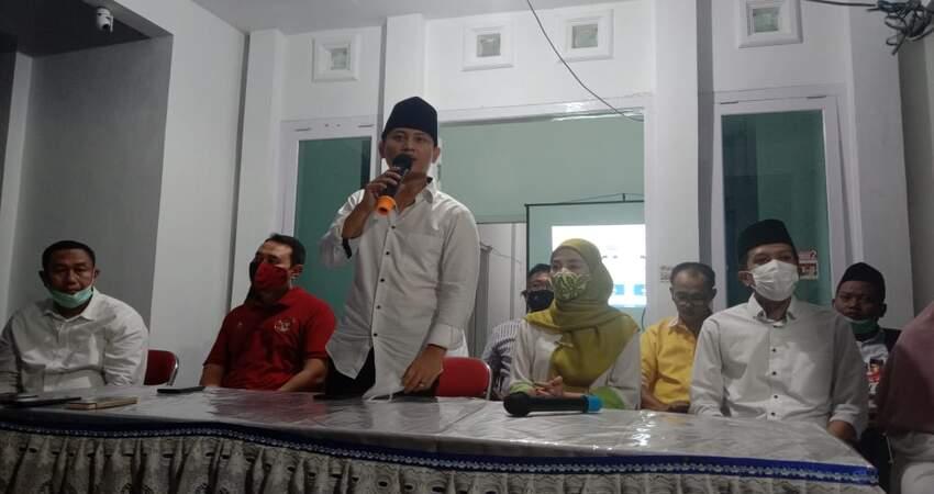 Suasana pers release kemenangan paslon Bupati dan Wakil Bupati Trenggalek nomor urut 2, Mochamad Nur Arifin dan Syah Natanegara di Posko Pemenangan.