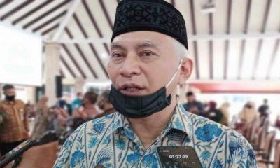 Pengasuh Pondok Pesantren (Ponpes) Bahrul Maghfiroh, Prof Dr Ir Mohammad Bisri.