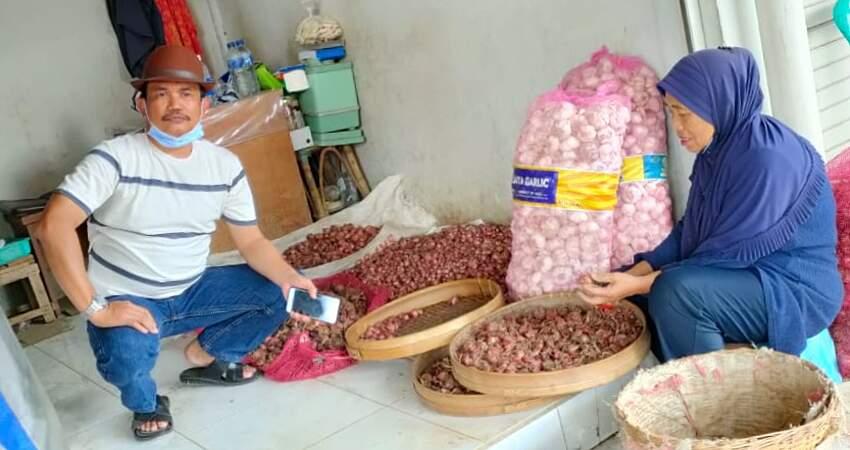 Ketua Fraksi Golkar Sambangi Pasar Sayur Batu, Respon Kabar Gebyar Mu Tak Seirama Asa Mu
