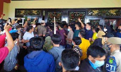 Demo Mahasiswa Menyoal Tambak Udang Berlangsung Ricuh