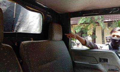 Pengunjuk Rasa Pecah Kaca Mobil Polisi, Lukai Petugas