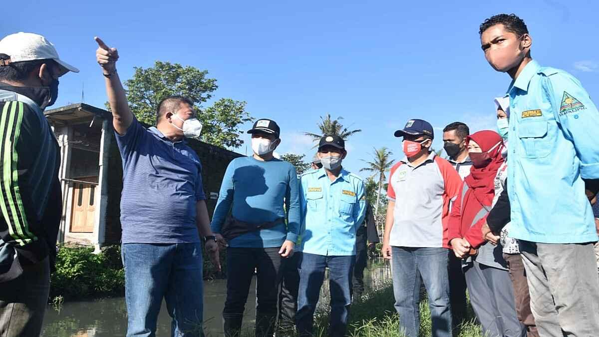 Wabup Malang dan Direktur Perumda Tugu Tirta Malang Hadiri Resik-resik Kali dan Cek Bantaran Sungai