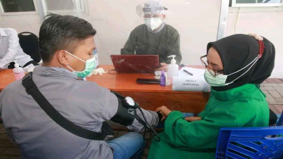 Wartawan Probolinggo Terima Vaksinasi Covid-19