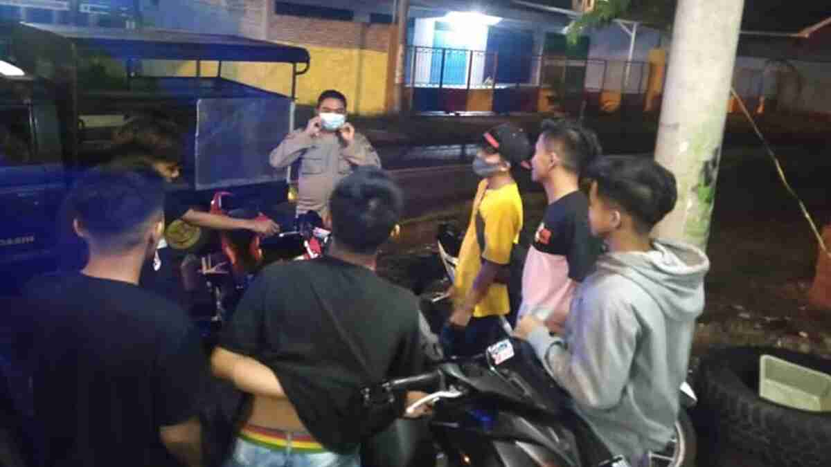 Antisipasi Kriminalitas dan Balap Liar di Wonoasih, Petugas Gelar Patroli Sahur