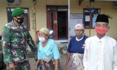 Babinsa 082002 Wonoasih Berikan Pengamanan Dalam Pengambilan Barcode Bantuan Sosial Tunai