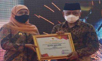 Gubernur Jatim Beri Penghargaan K3 kepada Bupati Malang dan Penghargaan Zero Accident kepada 12 Perusahaan di Kabupaten