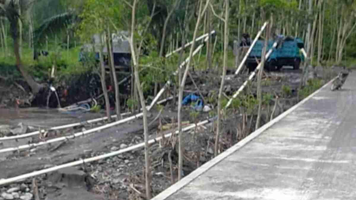 Gunakan Mesin Penyedot Pasir, Aktivitas Tambang Jugosari Lumajang Membahayakan
