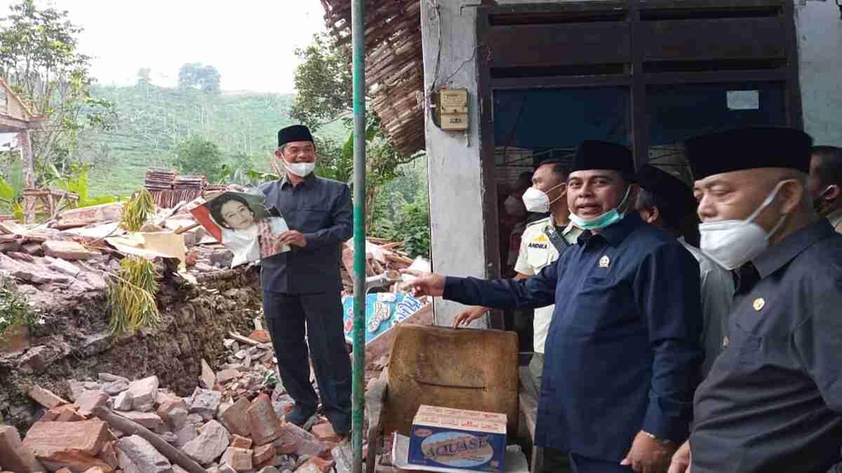 Pemkab Malang akan Bangun Rumah Sementara Bagi Korban Gempa