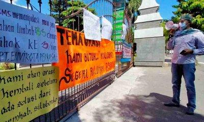 Puluhan Warga Gelar Aksi Penolakan Pengembangan Rumah Sakit