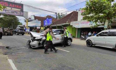 Sopir Mengantuk, 3 Mobil Terlibat Kecelakaan