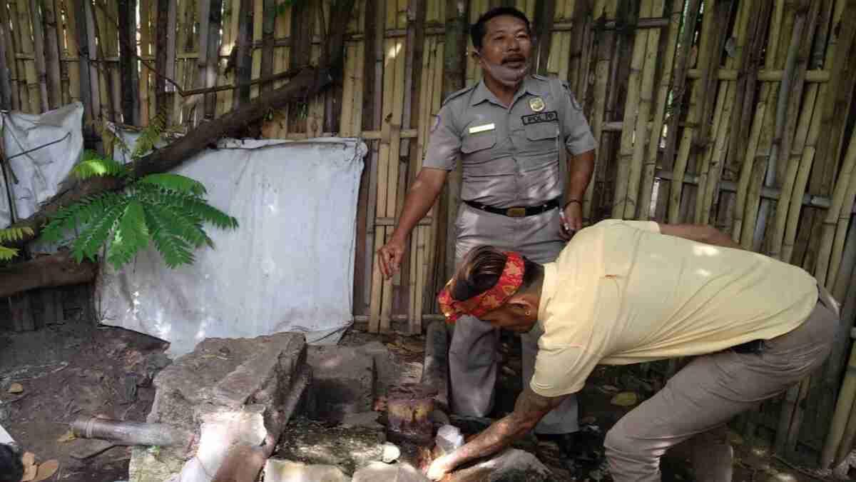 Petugas Kecamatan dan Desa Tinjau Pompa Peninggalan Belanda yang Dikabarkan Mengeluarkan Sumber Air Panas